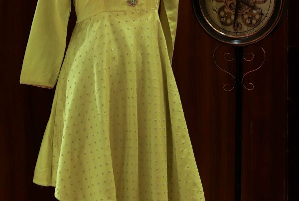 Yellow's brightness that will make you shine)img